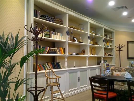 Ресторан Поль-бейкери - фотография 3 - Интерьер кафе