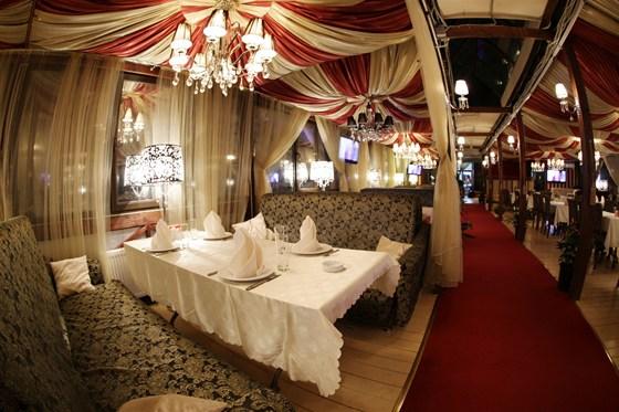 Ресторан Золотой бамбук - фотография 9 - Большой зал - Максимальное размещение до 300 человек