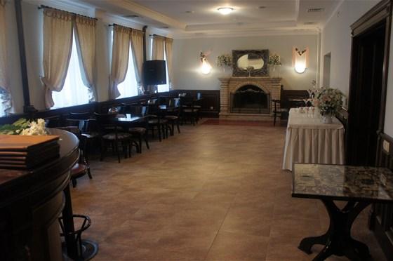 Ресторан Крем - фотография 1 - Каминный зал