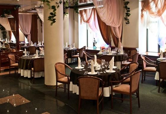 Ресторан Валимар - фотография 7 - Основной зал