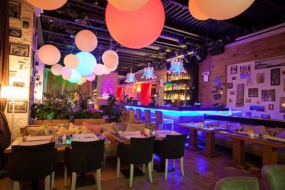 Ресторан Follow Me Café - фотография 11