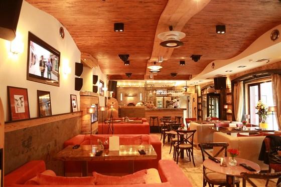Ресторан Burrata - фотография 2