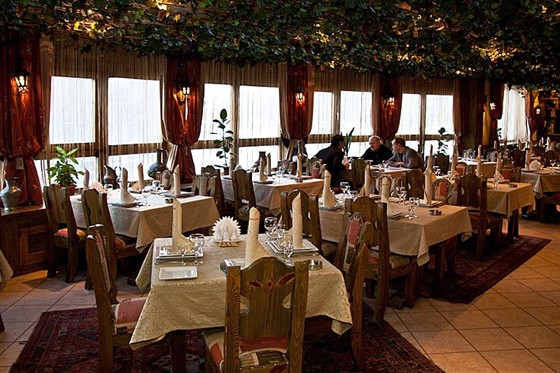 Ресторан Жажда вкуса - фотография 28 - Зал. 2-й этаж