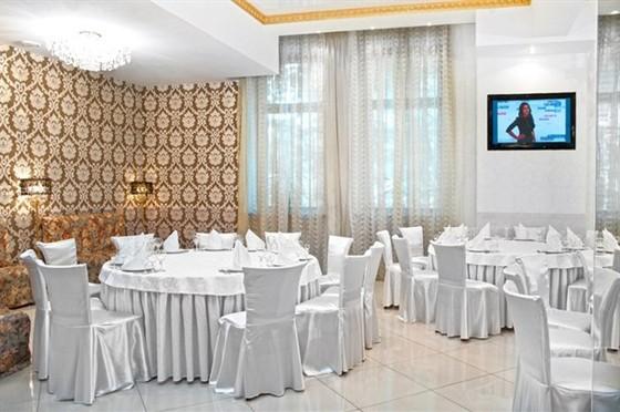 Ресторан Колесо времени - фотография 8 - Главный зал 200 персон