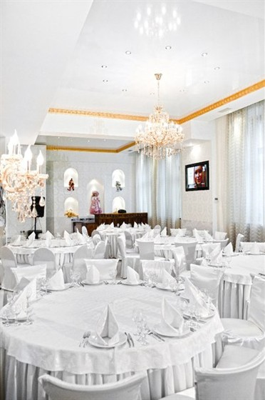 Ресторан Колесо времени - фотография 6 - Главный зал 200 персон