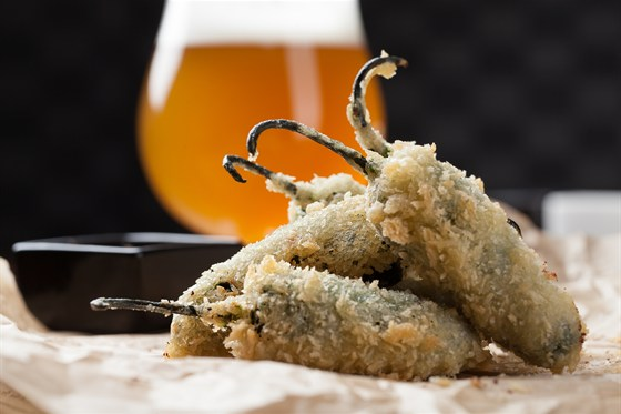 Ресторан Tribeca - фотография 8 - Жареные перцы халапеньо 570 рублей