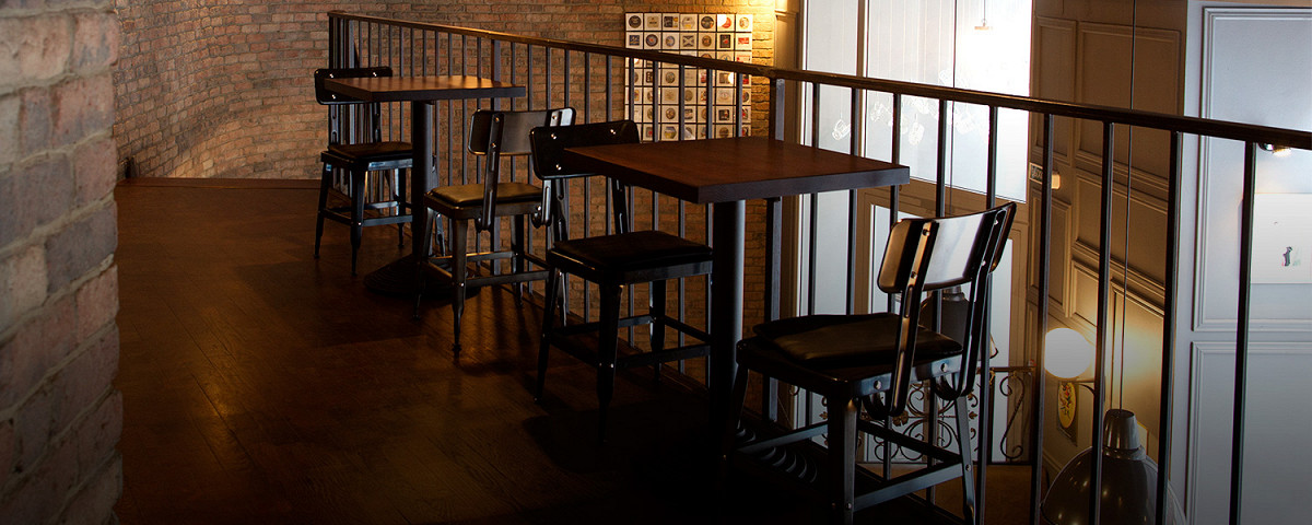 Афиша Город: Залечь под стол в Брюгге: Brasserie Belge 0.33 – Архив