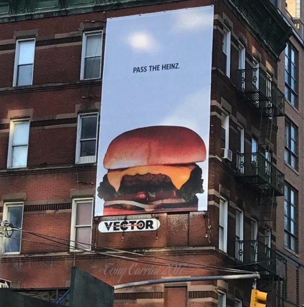 Баннер наулице Нью-Йорка
