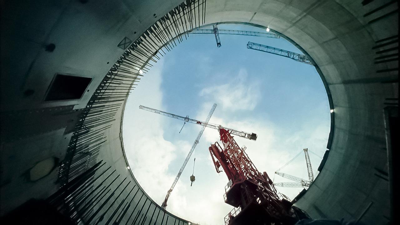 Кадр изфильма «Возвращение атома»