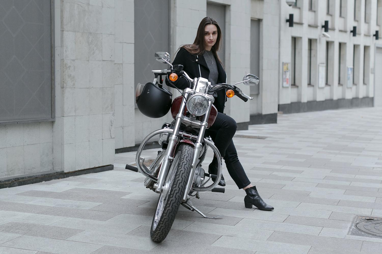 Как девушке водить мотоцикл