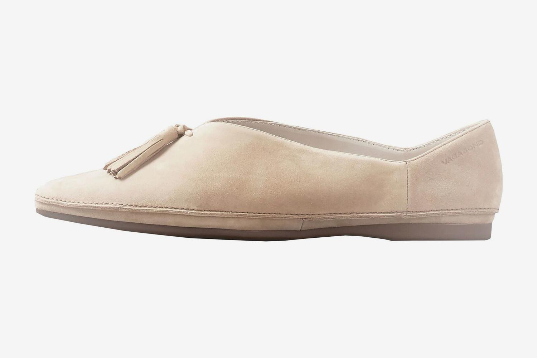 Шведская марка Vagabond к весне выпустила жизнерадостную коллекцию замшевой  и кожаной обуви на аккуратном каблуке и без. В серию вошли мюли 920a44f33ab16