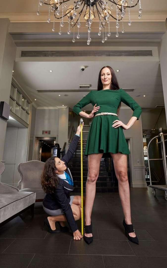 Самый длинный девушка мадилер