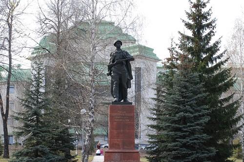 Фото памятник Александру Матросову