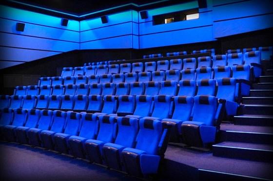 Кино волга кострома афиша и цены три пингвина купить билеты в кино