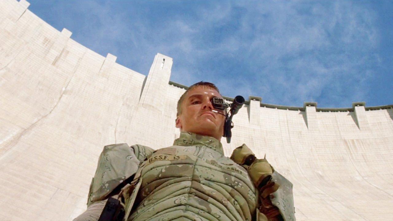 Универсальный солдат смотреть фото