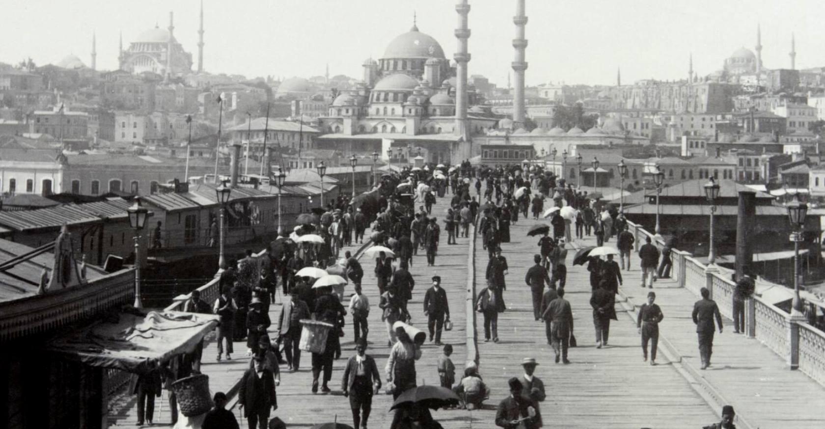 Закрыв глаза, я слушаю Стамбул… смотреть фото