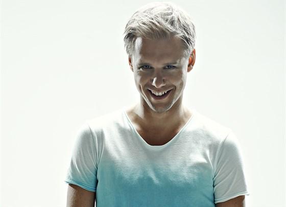 «20 years Radio Record»: Армин ван Бюрен (Нидерланды) смотреть фото