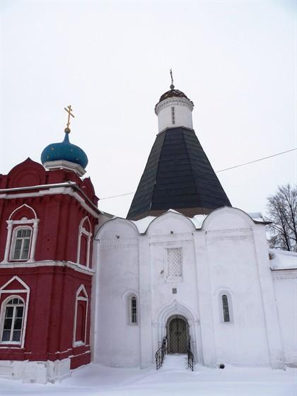 Фото церковь Успения Пресвятой Богородицы в Брусенском монастыре
