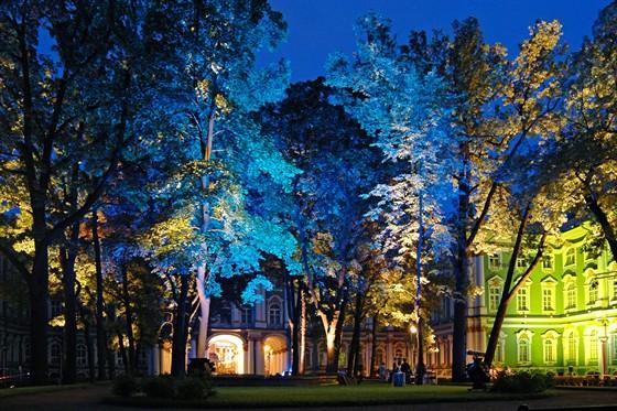 Фото большой двор Зимнего дворца