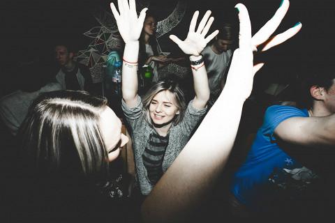 Крошечный бар Mishka считается одним из самых веселых в Петербурге