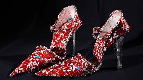 Посвящение Марии Каллас и Грейс Келли. Скульптуры-костюмы Никоса Флороса