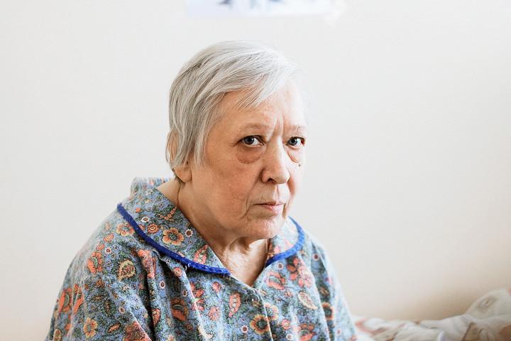 Дом престарелых бабушка фото что нужно в дом престарелых