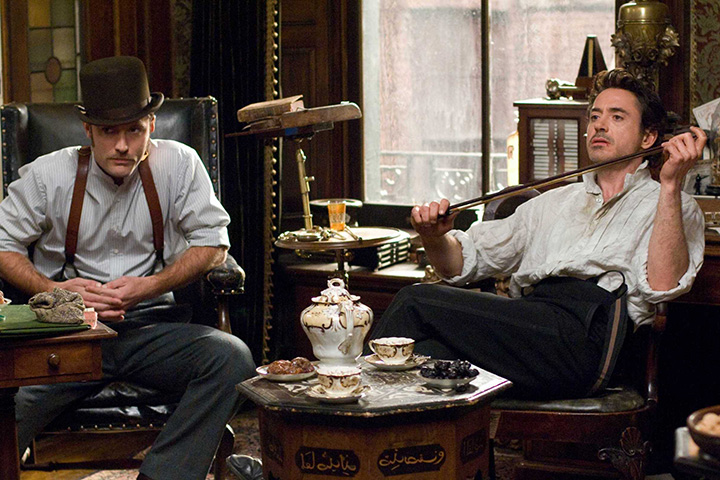 Экранизация 2009 года с Джудом Лоу и Робертом Дауни-мл.
