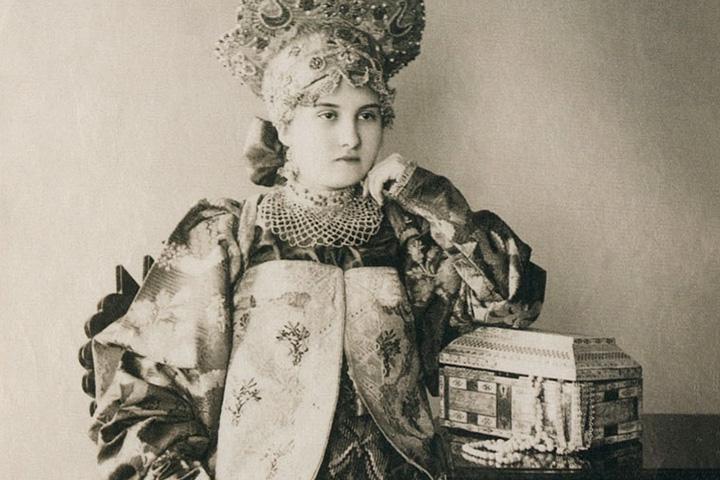 Красивые и разнообразные русские народные костюмы
