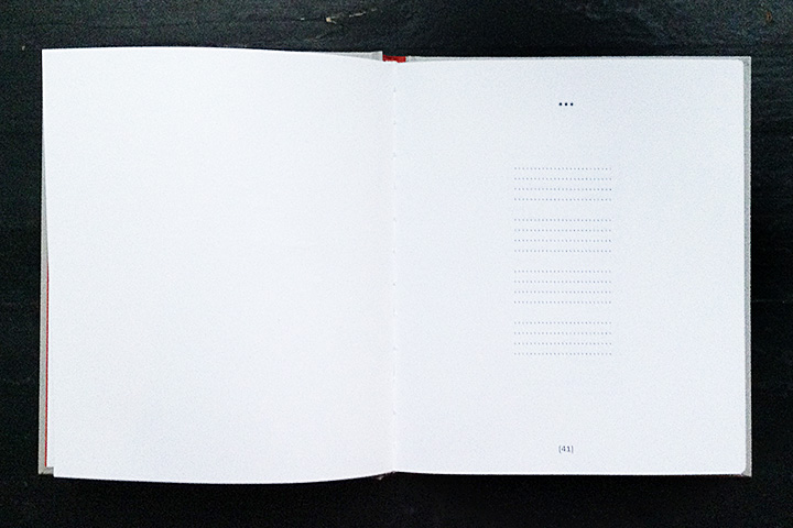Разворот перед стихотворением «Открой глаза» (текст первого трека на альбоме под названием «Листья», см. выше)