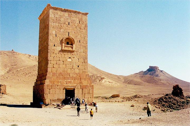 Одна из пальмирских башен-гробниц