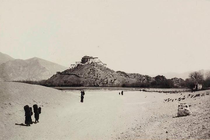 Первые фотографии Тибета, снятые русским шпионом
