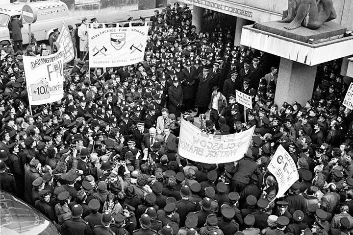 Забастовки «зимы несогласия»