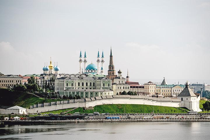 Вид на мечеть и Казанский Кремль