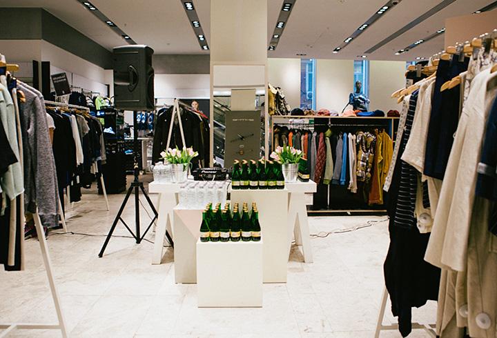 Датский магазин Wood Wood в «Цветном», который также любят в Берлине, можно считать манифестом «новой скромности» в моде