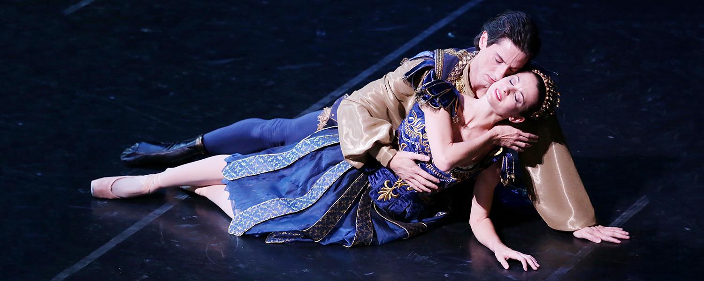 «Это один из самых удачных экспериментов в области видеоарта на оперной сцене»