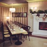 """Ресторан Подполиум  - фотография 5 - Зал """"Кафе"""" ресторана на 3-м этаже, банкетный стол"""