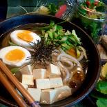 Ресторан Хон Гиль Дон - фотография 1 - легкий японский суп и салат из комбу и вакаме