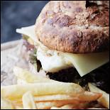 Ресторан Bake'n'Roll - фотография 3 - Фиш бургер со стейком из трески