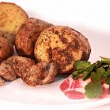 Ресторан Алан пирог - фотография 5 - Овощи на мангале Картофель с почеревком Картофель запеченный с салом на углях