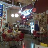 Ресторан Grizzly Diner - фотография 5