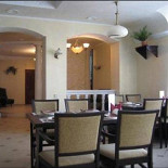 Ресторан Навек родня - фотография 2 - Обеденный зал