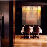 Ресторан Борсалино - фотография 4 - стол в Борсалино