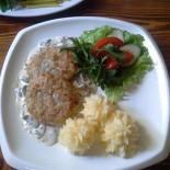 Ресторан Дядюшка Густав - фотография 1 - Котлеты из зайчатины с грибным соусом