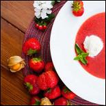 Ресторан Птички и ягоды - фотография 1 - Клубничный суп