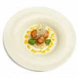 Ресторан Champagne Life - фотография 6 - Seared scallops with small Seleriac&Apple salad