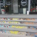 Ресторан Варенье - фотография 2 - На фасаде в недавнем времени выложили мозайку.
