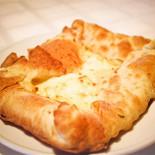 Ресторан Хинкали & Хачапури - фотография 1 - Хачапури слоеные с сыром