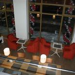 Ресторан Густо Итальяно - фотография 2 - Средний уровень. Зал для утреннего кофе, бар