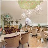 Ресторан Братья Третьяковы - фотография 3 - Малый зал с окнами на Третьяковскую Галерею. Бесплатный wifi.