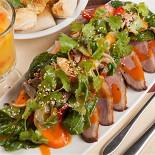 Ресторан Montalto - фотография 5 - Азиатский салат с утиной грудкой